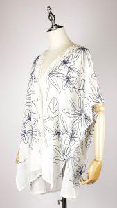 CEK1541 embroidered kimono side