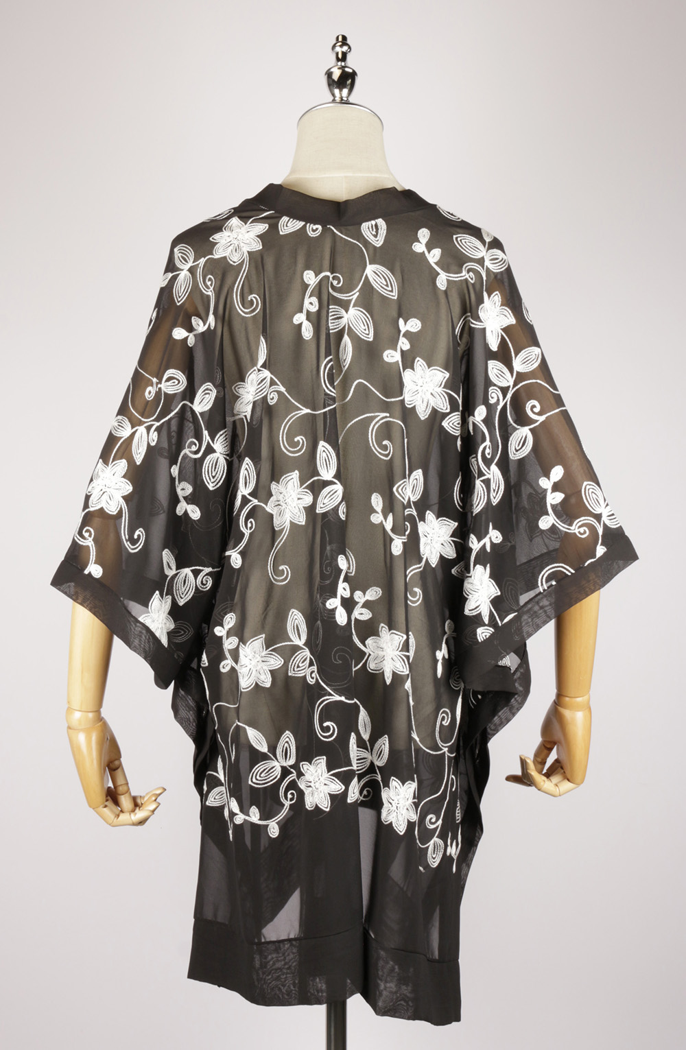 CEK1548 Embroidery kaftan side