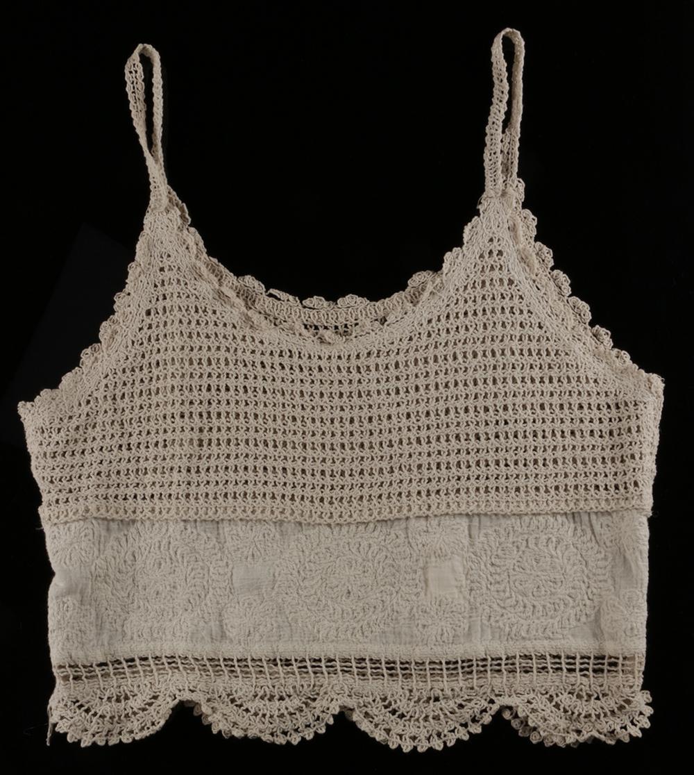 LV2446 lace vest top